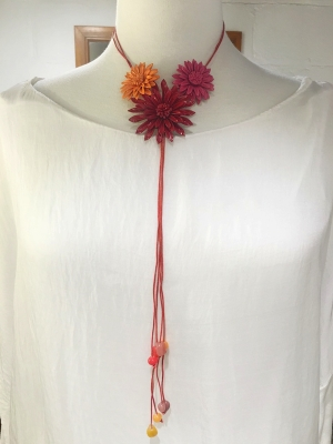 Triple Daisy Leather Necklace