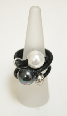 Leather Dress Ring With Mid-Sized Pearls