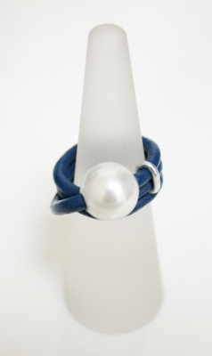 Leather Dress Ring With Single Pearl